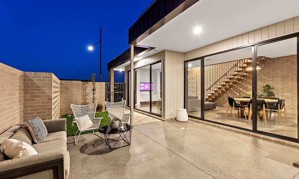 outdoor setting with concrete floor deck